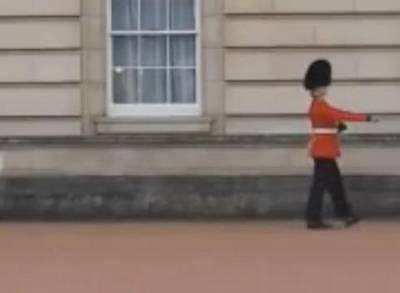 News video: Investigation Underway To Find Dancing Buckingham Palace Guard
